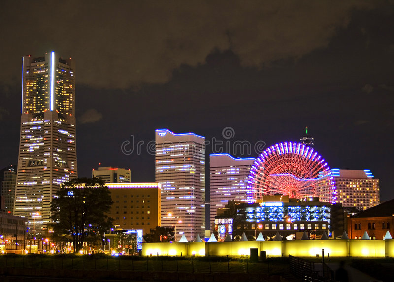 Cityscape nachtscène in Yokohama stock afbeelding