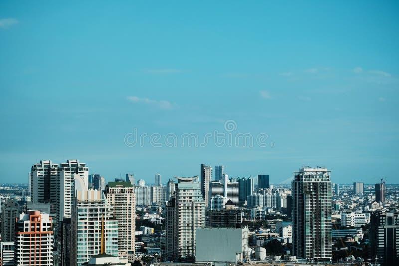 Cityscape van Bangkok achtergrond stock afbeeldingen