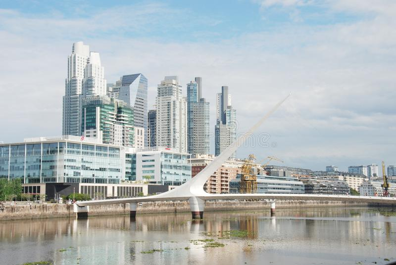 Cityscape van Buenos aires, Puente DE La Mujer Hoofdstad van Argentinië stock foto's