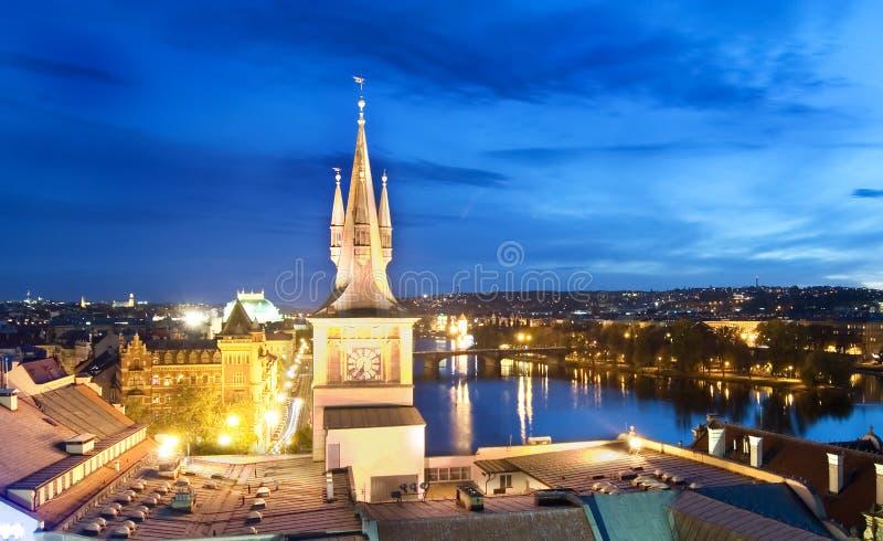 Cityscape van de nacht - Praag royalty-vrije stock afbeelding