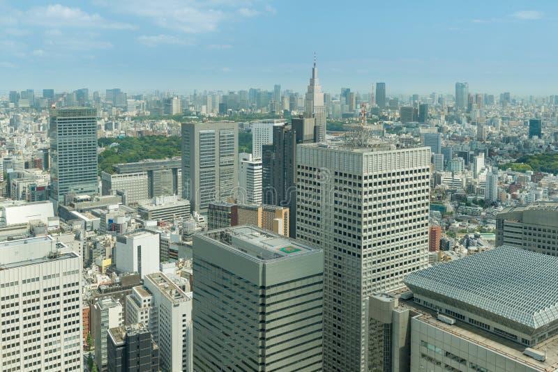 Cityscape van de wolkenkrabbers van Tokyo in shinjuku financieel district stock foto's