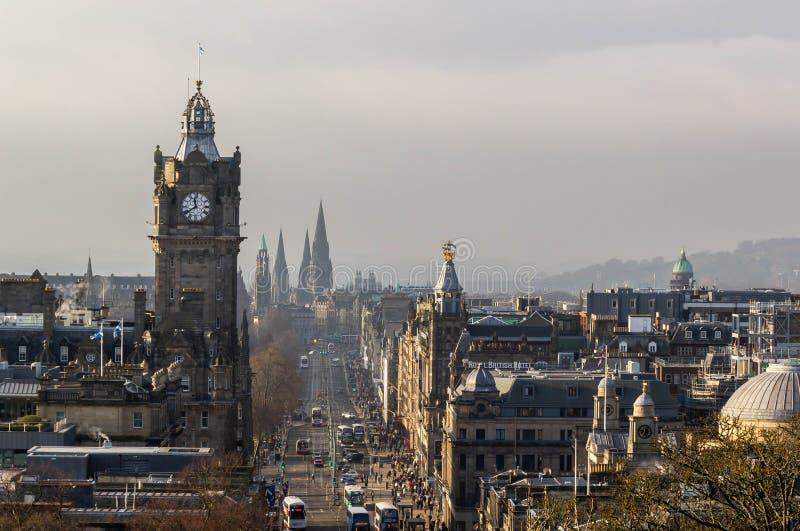 Cityscape van Edinburgh met Prinsenstraat stock foto's