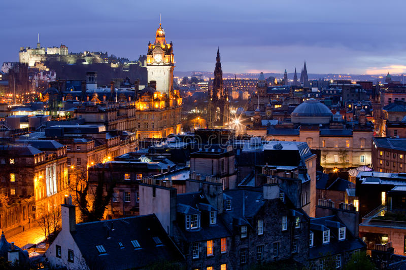 Cityscape van Edinburgh Schemer royalty-vrije stock foto