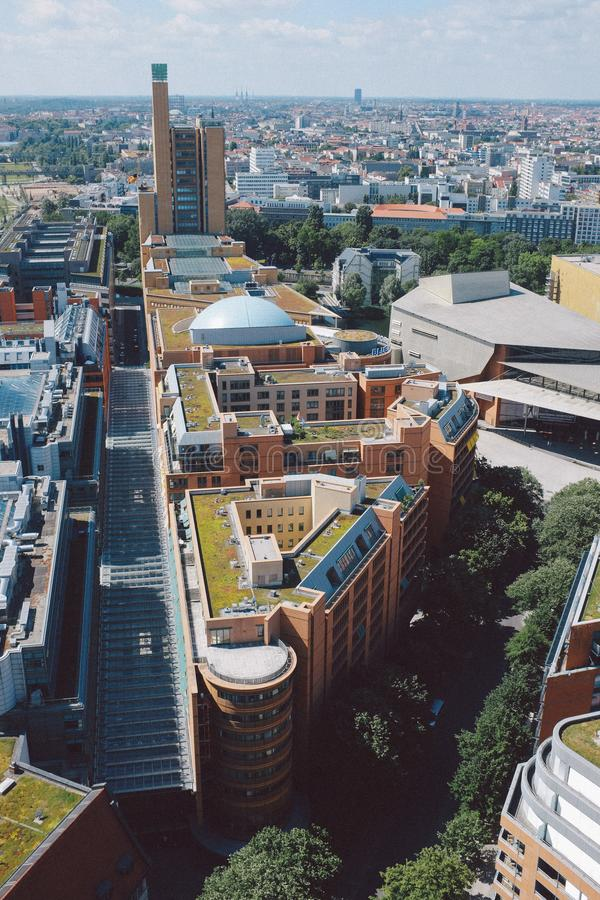 Cityscape van hierboven op het Vierkant van Potsdam in Berlijn stock afbeeldingen