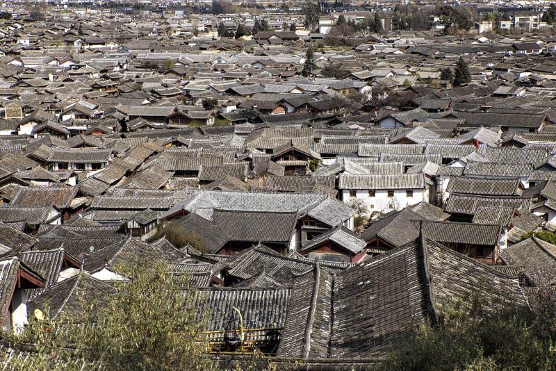Cityscape van Lijiang, Yunnan, China stock foto's