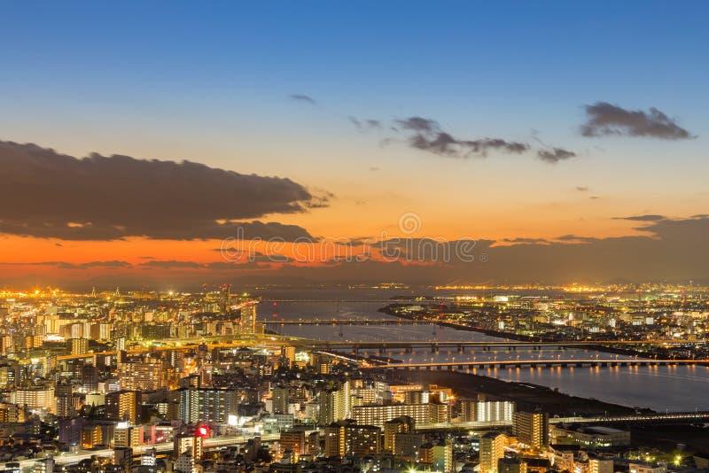 Cityscape van Osaka luchtmening met schoonheid na zonsondergang royalty-vrije stock foto