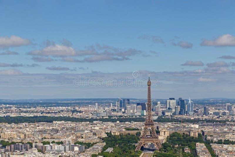 Cityscape van Parijs met de Toren van Eiffel en Gebied van Mars stock afbeelding