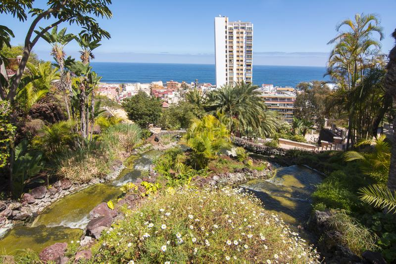Cityscape van Puerto de la Cruz, Tenerife, Canarische Eilanden, Spanje royalty-vrije stock foto