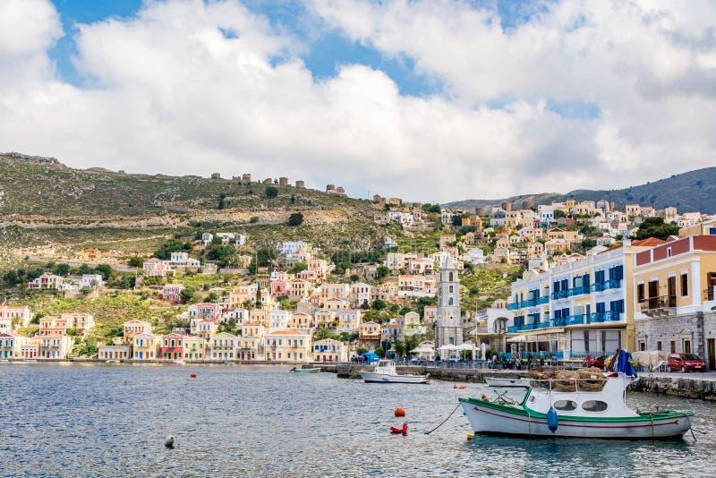 Cityscape van schilderachtig Symi-eiland, Griekenland stock foto's