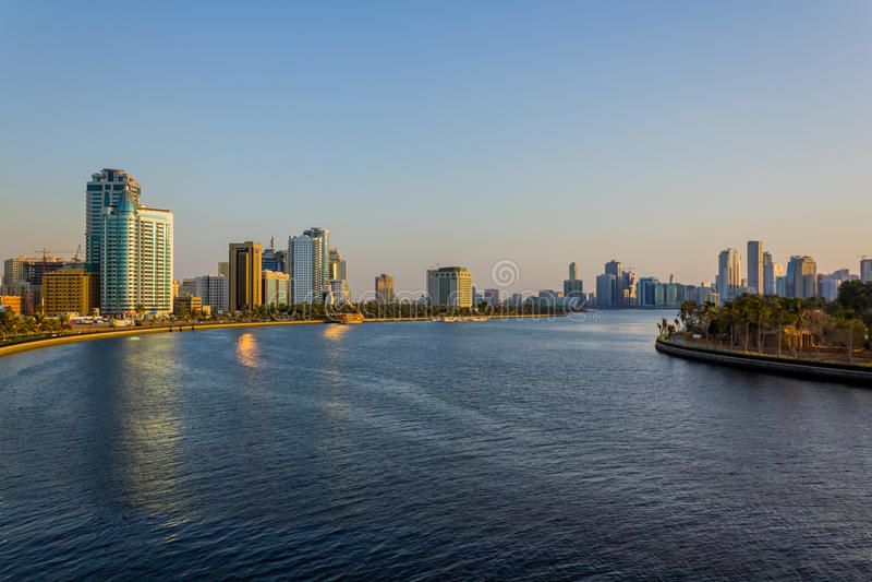 Cityscape van Sharjah stock afbeelding