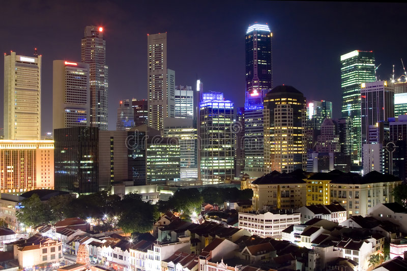 Cityscape van Singapore bij nacht royalty-vrije stock afbeeldingen