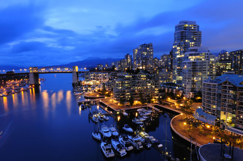 Cityscape van Vancouver bij nacht royalty-vrije stock fotografie