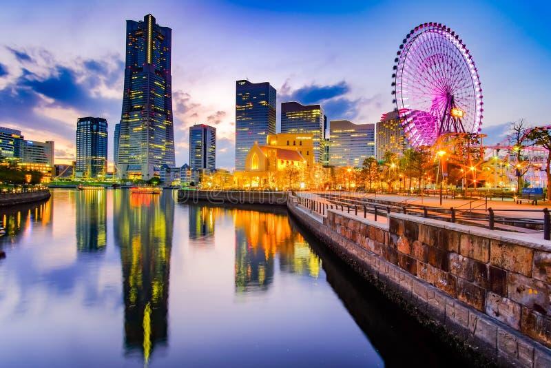Cityscape van Yokohama Minato Mirai bij nacht japan stock afbeelding