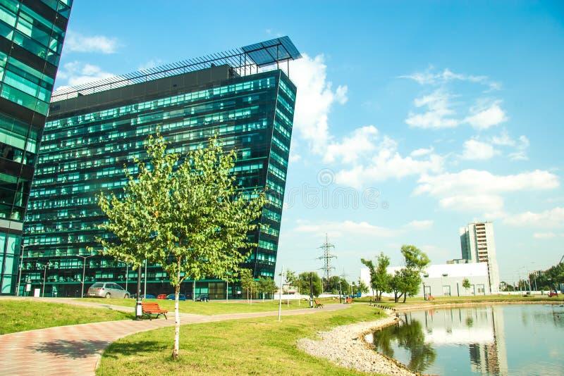 Download Cityscapekontorsbyggnadar arkivfoto. Bild av clean, högt - 27281216