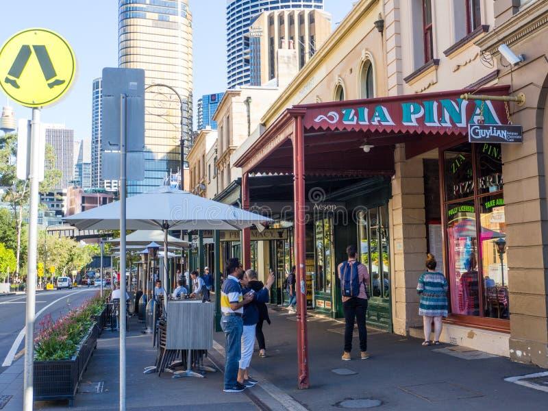 Cityscapen av Rocks är en stads- lokalitet, en turist- polisdistrikt och ett historiskt område av Sydneys stadsmitten royaltyfria foton