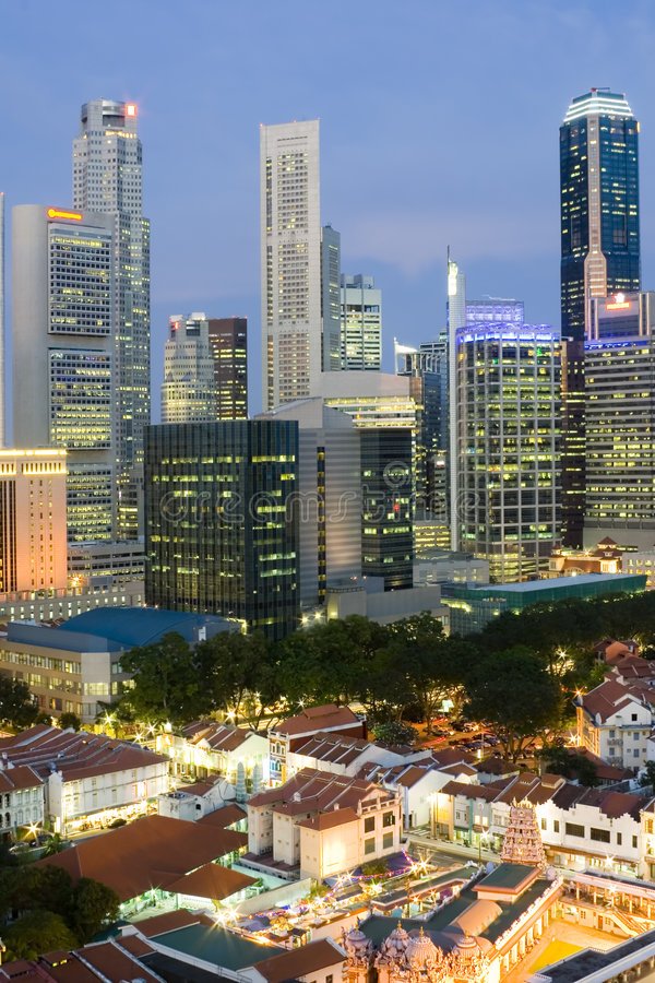 Cityscapeskymning Singapore Arkivfoto