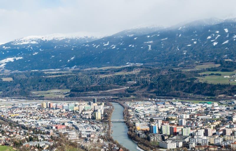 Cityview del panorama de Innsbruck en Austria imagen de archivo libre de regalías
