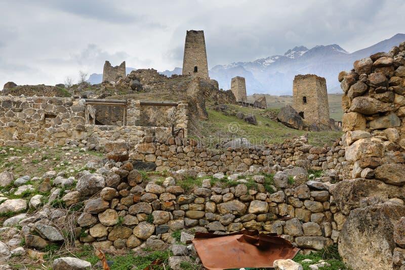 Ciudad abandonada Tsmiti en Alania, Rusia imágenes de archivo libres de regalías