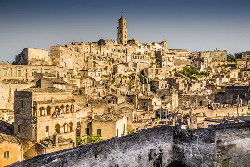 Ciudad antigua de Matera en la puesta del sol, Basilicata, Italia imágenes de archivo libres de regalías