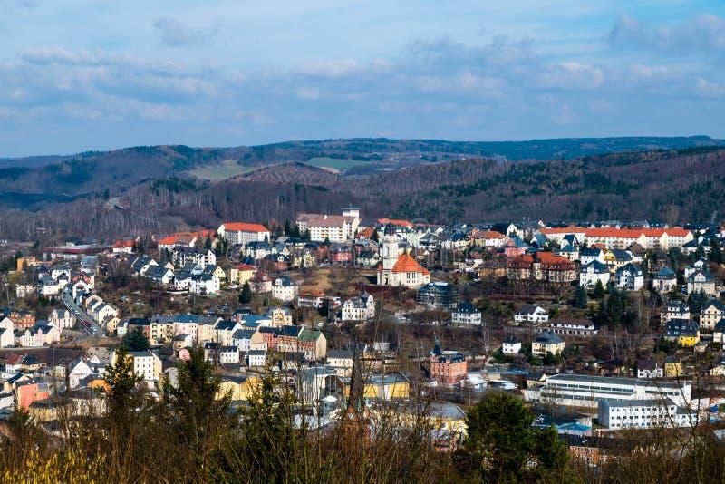 Ciudad Aue del panorama en el Erzgebirge Sajonia Alemania foto de archivo libre de regalías
