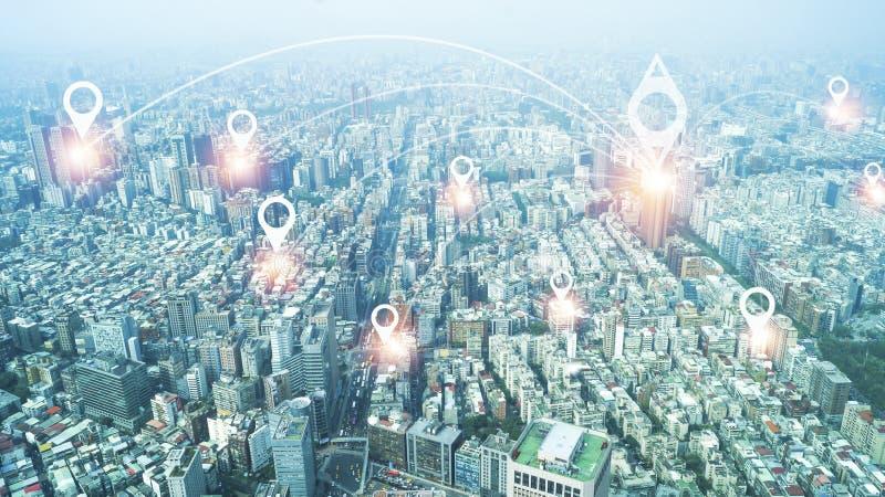 Ciudad con la línea concepto, tecnología conceptual, globalización de la conexión de Internet stock de ilustración