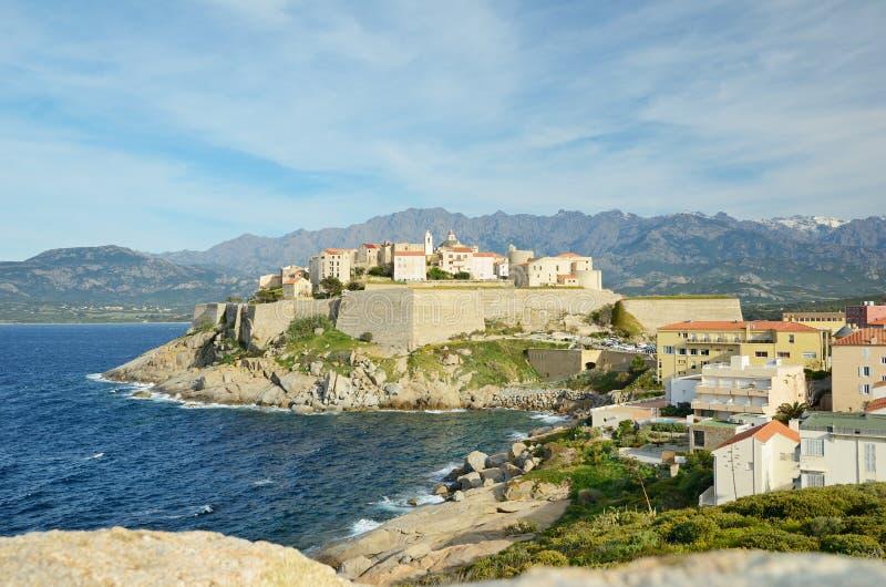 Ciudad costera corsa Calvi imágenes de archivo libres de regalías