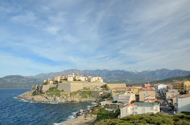 Ciudad costera corsa Calvi imagen de archivo libre de regalías