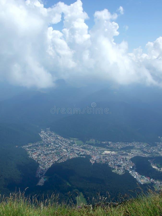 Ciudad de Busteni imagen de archivo