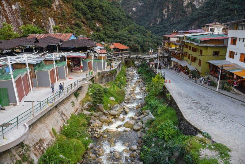 Ciudad de Calientes de los Aguas, Machu Picchu Perú foto de archivo