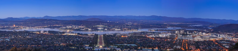 Download Ciudad De Canberra En La Noche Fotografía editorial - Imagen de cityscape, guerra: 41902412