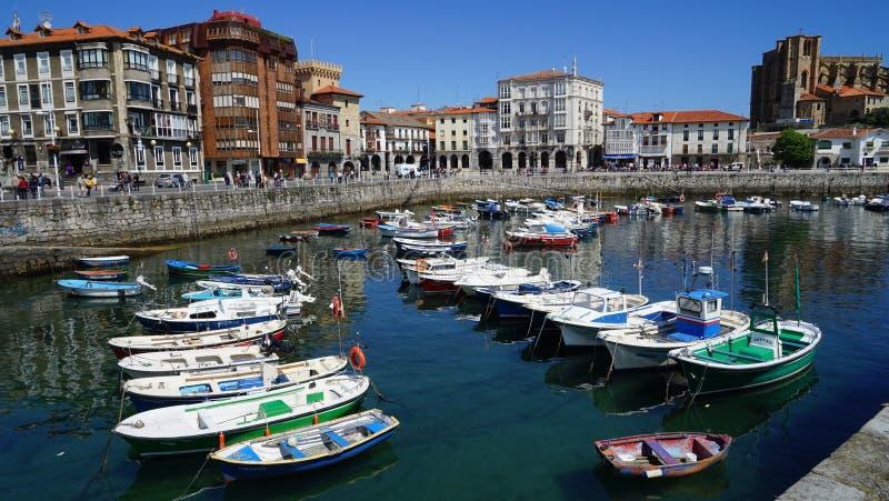 Ciudad de Castro Urdiales, España imagen de archivo libre de regalías