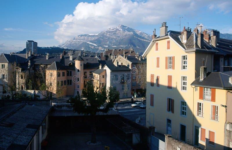 Ciudad de Chambery en la col rizada, Francia fotos de archivo