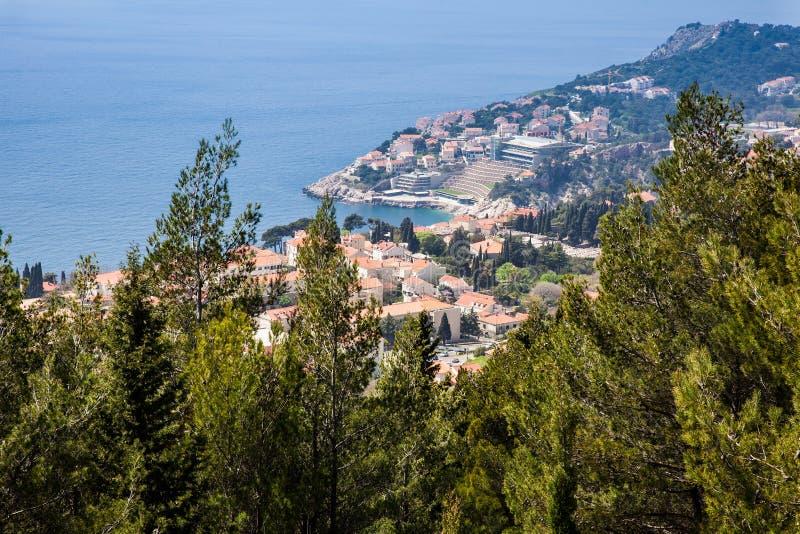 Ciudad de Dubrovnik del rastro que camina de Srd del soporte imagen de archivo libre de regalías