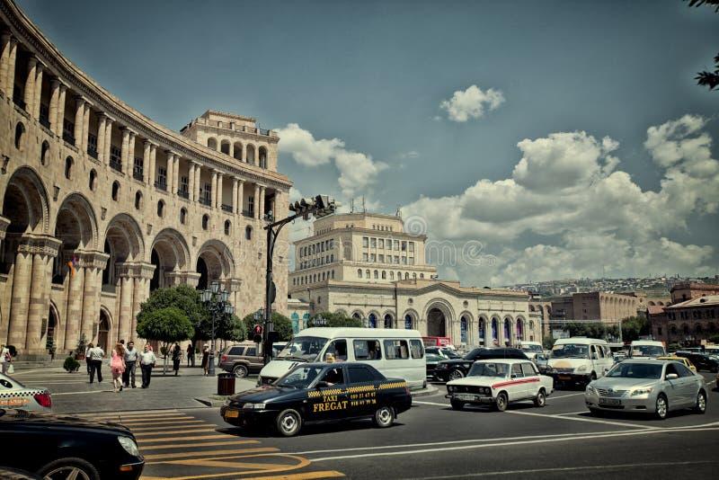 Ciudad de Ereván, verano en catedral antigua del templo de la cultura del monasterio de la arquitectura de la iglesia de Armenia foto de archivo libre de regalías