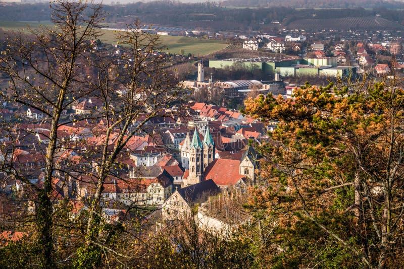 Ciudad de Freyburg Unstrut con la iglesia de Sankt Marien fotos de archivo