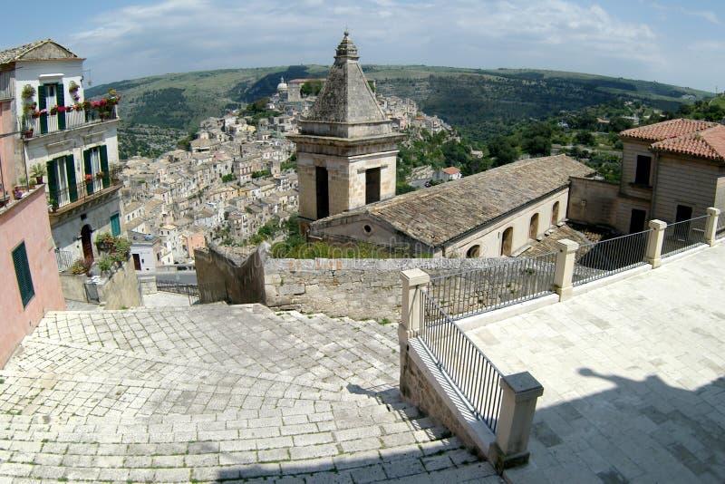 Ciudad de Italia vieja, Ragusa, Sicilia foto de archivo libre de regalías