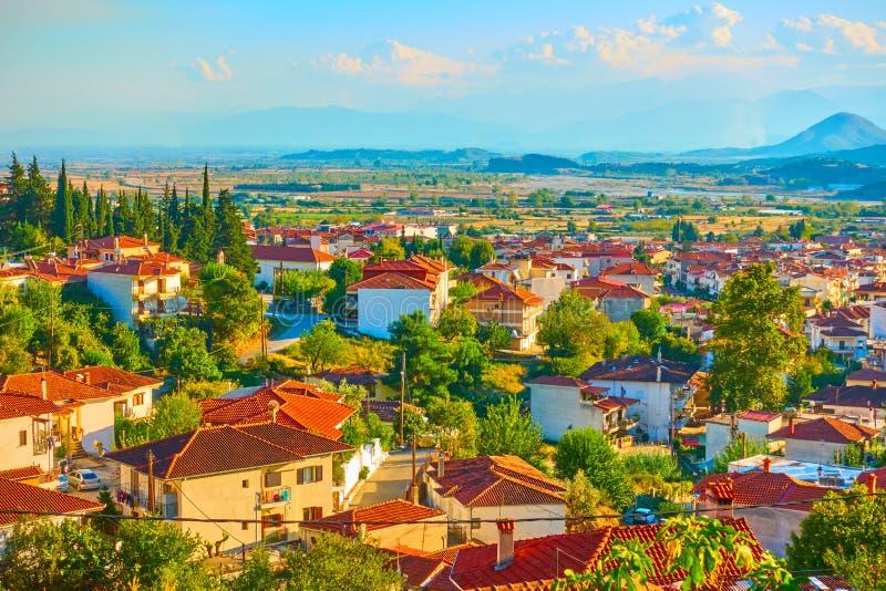 Ciudad de Kalambaka en Thessaly foto de archivo