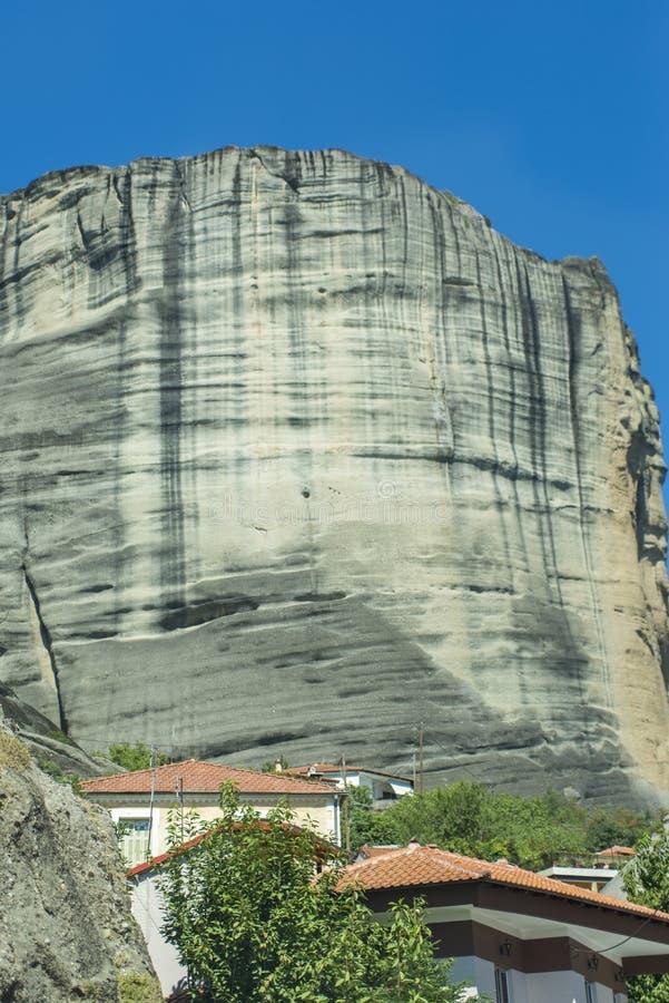 Ciudad de Kastraki, montañas de Meteora en Thessaly, Grecia foto de archivo