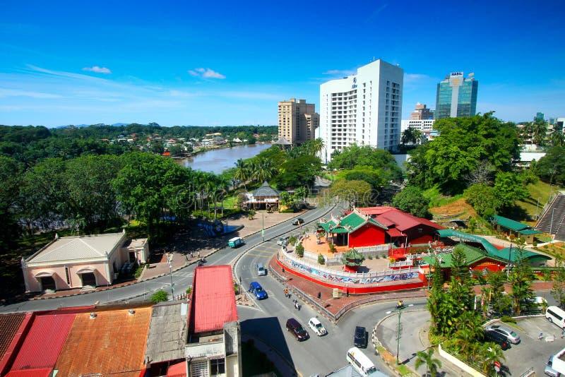Ciudad de Kuching en Sarawak Malasia imagenes de archivo