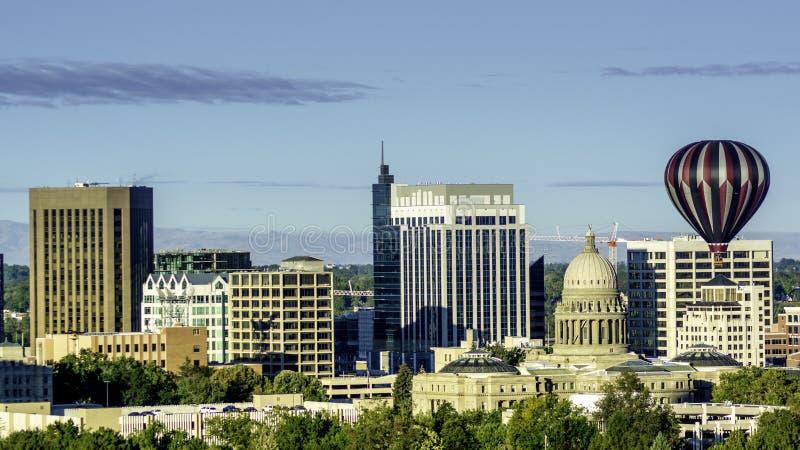 Ciudad de la capital y del globo de Boise del árbol fotos de archivo