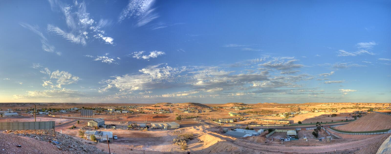 Ciudad de la explotación minera de Coober Pedy imágenes de archivo libres de regalías