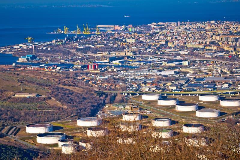 Ciudad de la opinión aérea de Trieste fotos de archivo