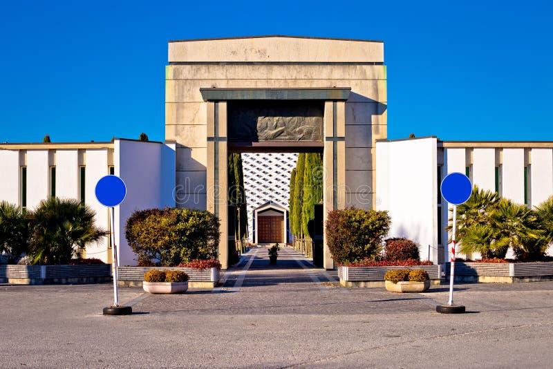Ciudad de la señal del cementerio de Grado fotos de archivo libres de regalías