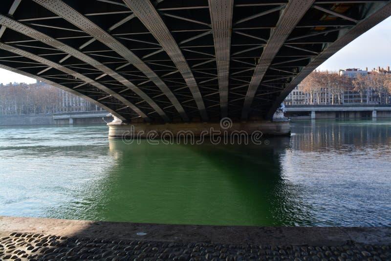 Ciudad de Lyon, de los puentes y del río Rhone foto de archivo