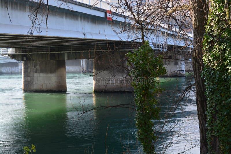 Ciudad de Lyon, de los puentes y del río Rhone fotos de archivo