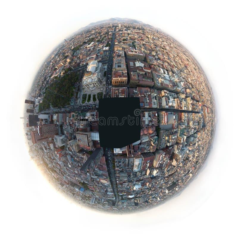 CIUDAD DE MÉXICO, MÉXICO - 2011: Opinión aérea de ojo de pescados de Ciudad de México céntrica imagen de archivo