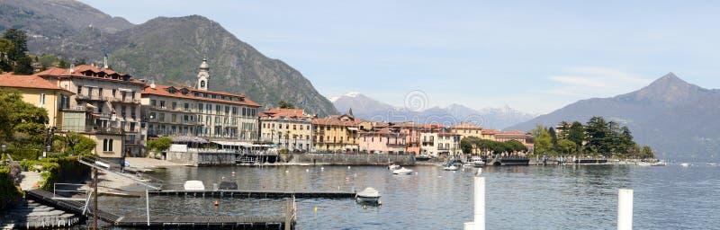 Ciudad de Menaggio en el lago italiano famoso de Como fotos de archivo libres de regalías