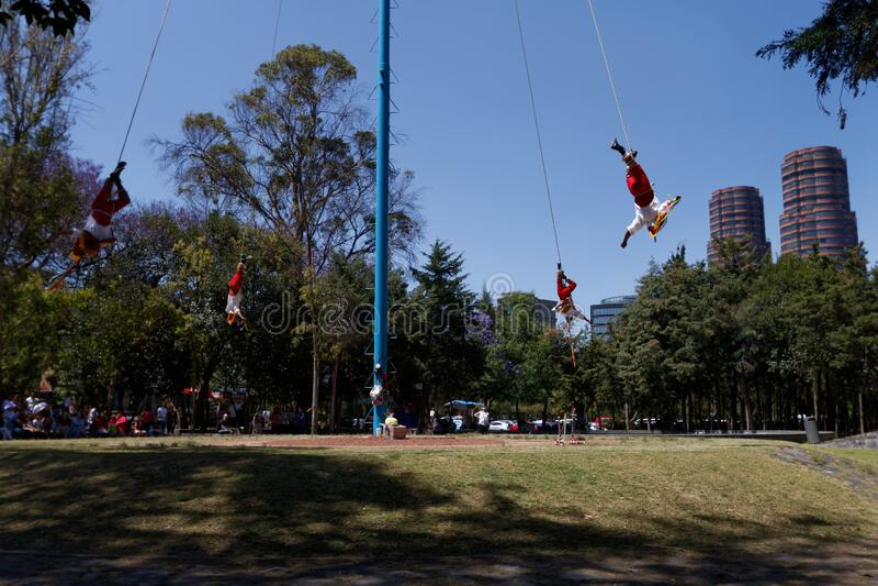 Bosque Chapultepec De Photos Free Royalty Free Stock Photos From Dreamstime