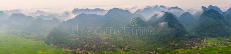 Ciudad de Moc Chau en mornin fotos de archivo libres de regalías