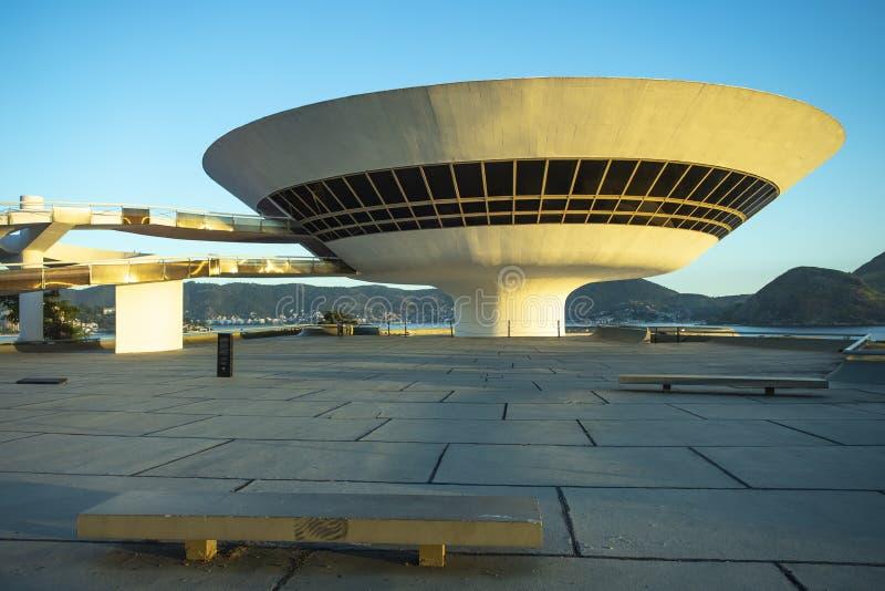 Ciudad de Niteroi, estado de Rio de Janeiro/el Brasil Suramérica - 01/27/2019 descripción: MAC Niteroi Museo del arte contemporán imágenes de archivo libres de regalías